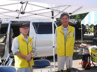 JA7GUX分団長とJA7CUAさん_640.jpg